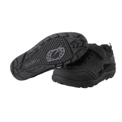 Traverse Flat Shoe Black