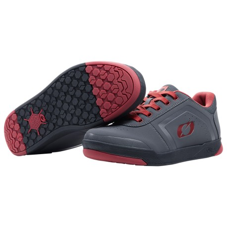 Pinned Flat Pedal Shoe V.22  Gray Red